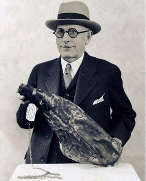 P. D. Gwaltney, Jr. and his 'Pet Ham'